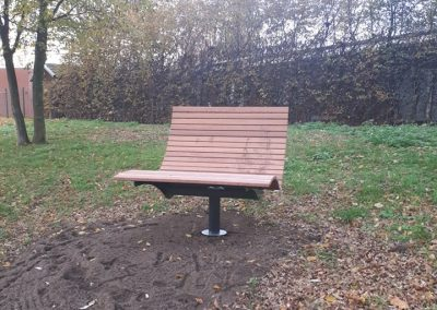 Sitzgelegenheiten für Naturbeobachtungen am Hof Schmetkamp in Sendenhorst
