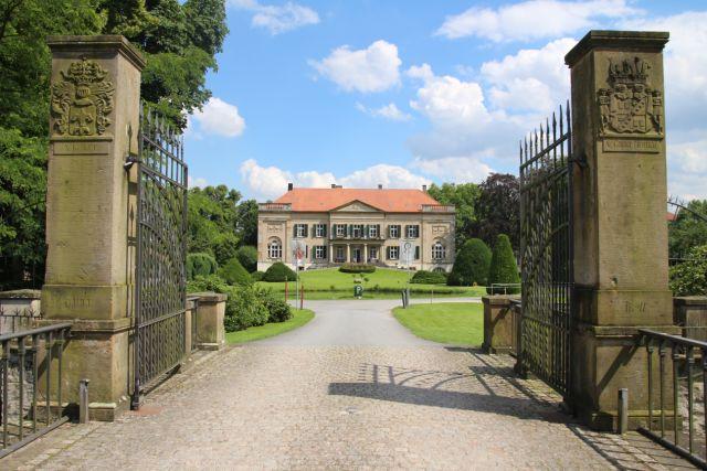 Gestern I Heute I Morgen – (Wir werden) Schloss Harkotten